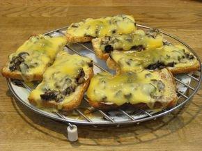 фото рецепта: Горячие бутерброды с баклажанами и сыром