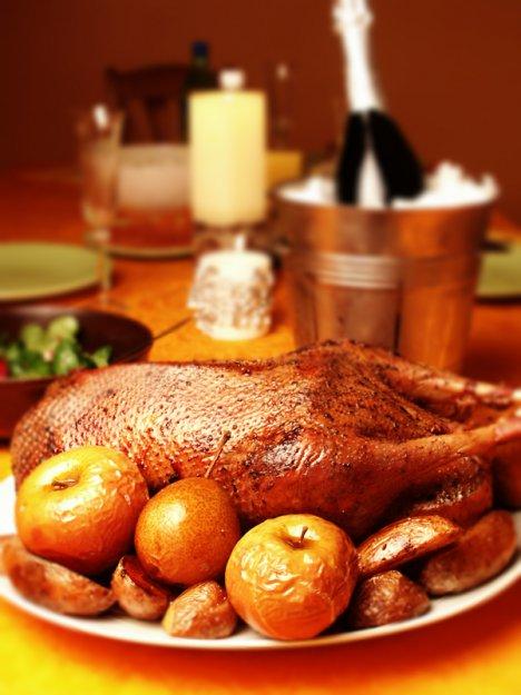 Рецепт Новогодний гусь с яблоками и тмином