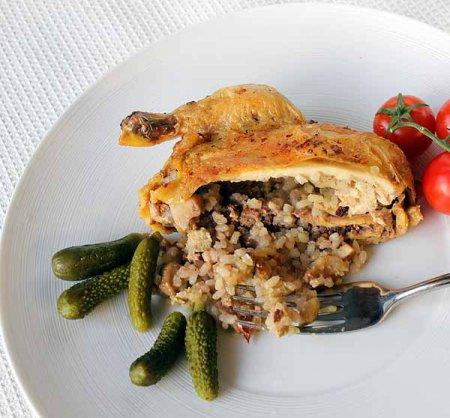 Цыплята, фаршированные рисом, грибами и фуа-гра