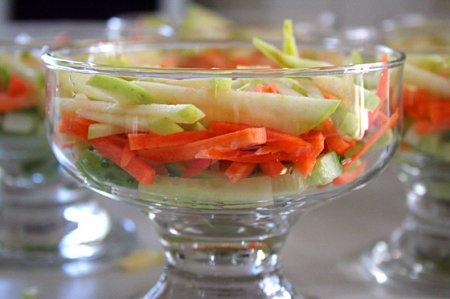 Салат-коктейль из креветок