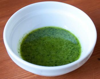 Сельдь под шубой с зеленым чесночным соусом