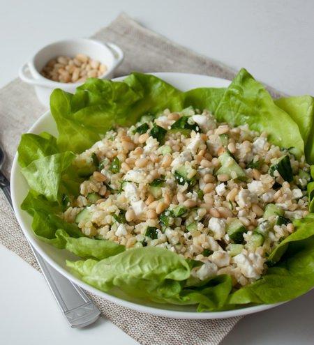 Рецепт Салат из булгура с фетой и кедровыми орешками