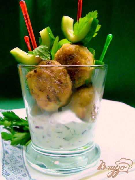 Рецепт Рыбные шарики на шпажках с соусом тар-тар.