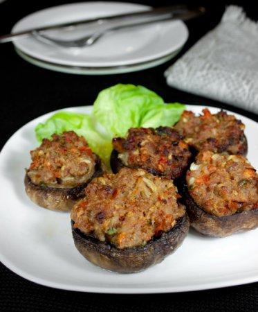 Шампиньоны, фаршированные мясом