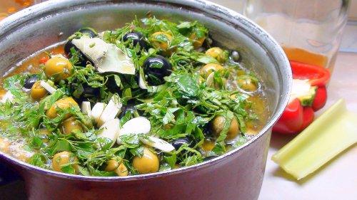 Маринованные морепродукты и овощи