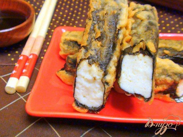 фото рецепта: Адыгейский сыр, жаренный в нории и кляре.