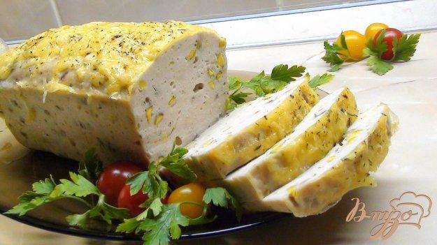 Рецепт Террин из курицы с фисташками под сырной корочкой.