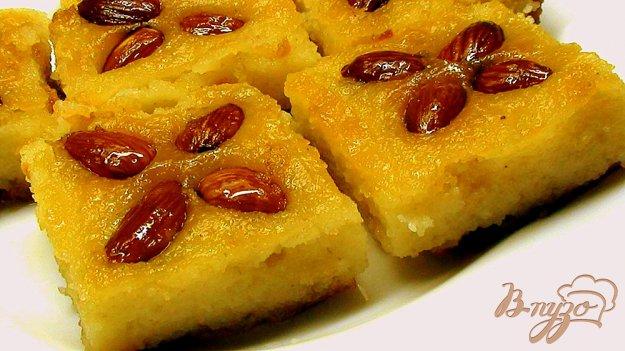 Рецепт Десерт из манки с миндалём в сахарном сиропе. «Басбуса»