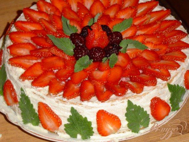 Рецепт Клубнично-ежевичный торт