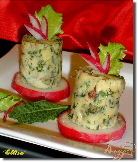 фото рецепта: Сырно-ореховые башенки
