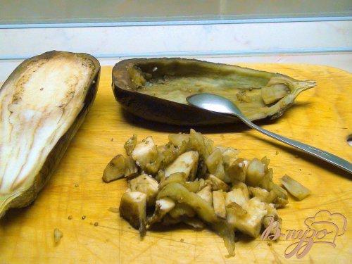 Баклажаны с карамелизованным луком и кедровыми орешками.