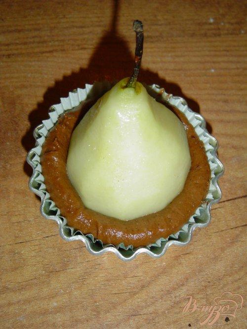 Маффины с грушей и шоколадом.