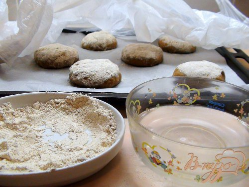 Ржаные булочки с грецкими орехами.