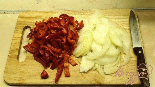 Жаркое из говяжьей печени с грибами под сырным тестом.