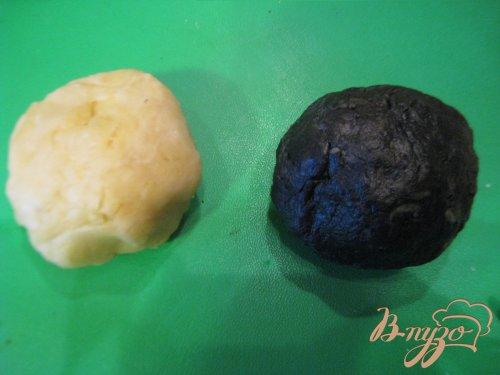 Равиоли черно-белые с рыбной начинкой