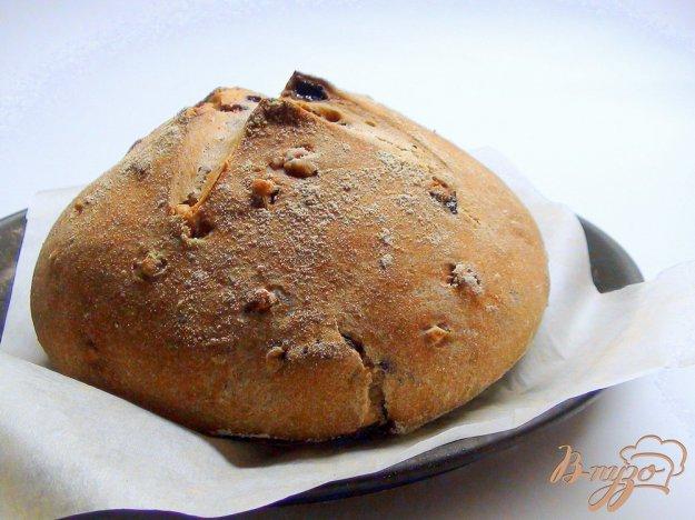 фото рецепта: Гречишный хлеб с изюмом и орехами, на яблочной закваске.