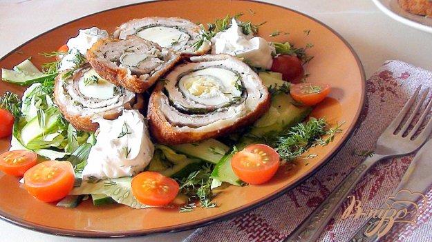Рецепт Куриные рулетики с яйцом и шпинатом, плюс масса вариантов подачи.