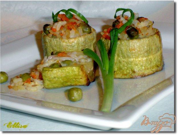 фото рецепта: Бочонки из кабачков, фаршированные рисом и овощами