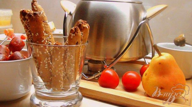 Рецепт Гриссини из ржаной муки. Хлебные палочки с жареным луком и тмином.