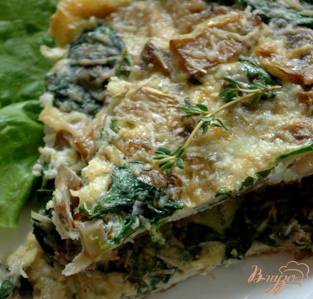 фото рецепта: Фриттата с беконом, грибами и шпинатом