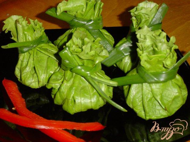 фото рецепта: Зелененькие мешочки с пикантной начинкой