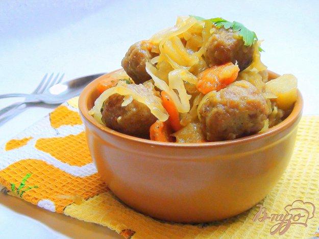 Рецепт Овощное рагу с кислой капустой и тефтелями.