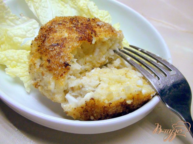 фото рецепта: Рыбные котлеты из трески с геркулесом и варёным яйцом.