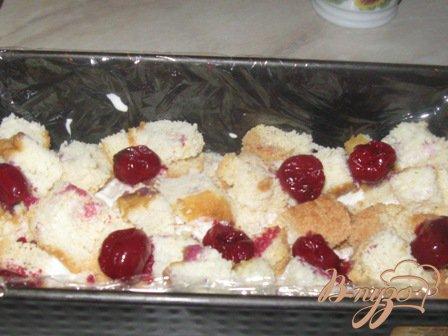 Сметанно-бисквитный десерт с вишней