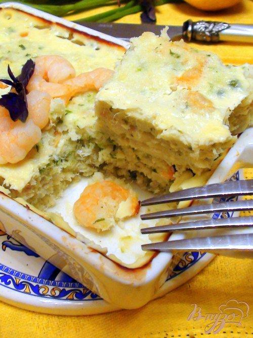 Рыбная запеканка с креветками и зеленью.