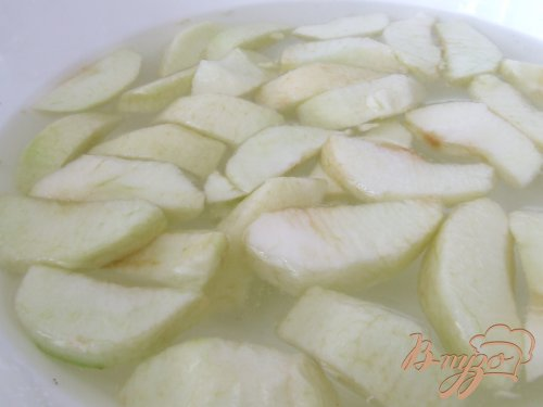 Парфе с яблоками, йогуртом и мюсли