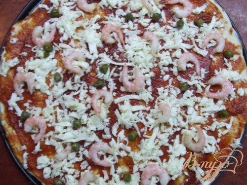 Пицца с креветками и каперсами