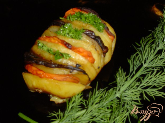 Рецепт Картошка-гармошка с грибами и морковью
