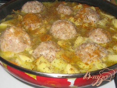Картофель с тефтелями