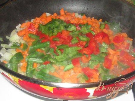 Фрикадельки с овощами в кисло-сладком соусе