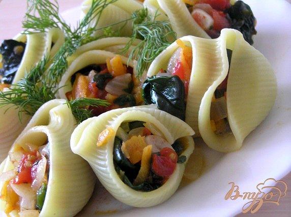Рецепт Лумакони с овощами и шпинатом