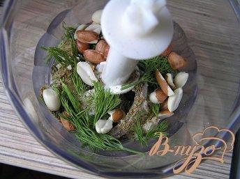 Шарики из свинины с травами и орешками