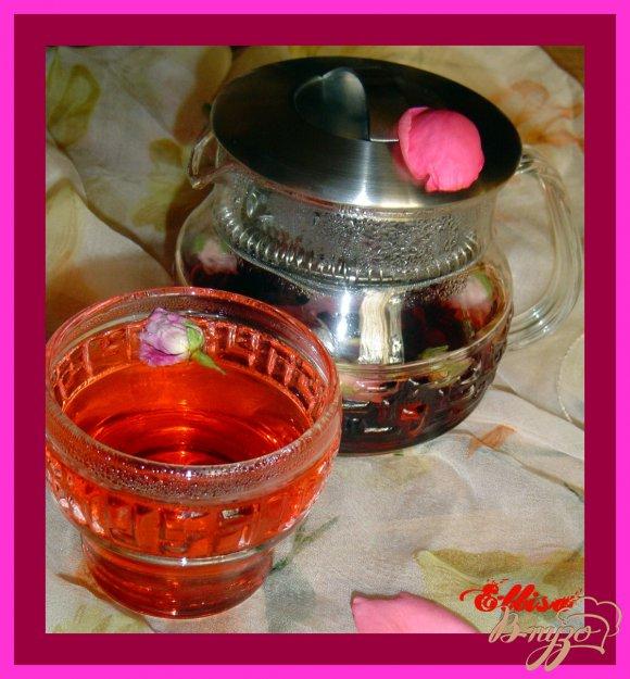 Рецепт Чай из бутонов роз и каркадэ