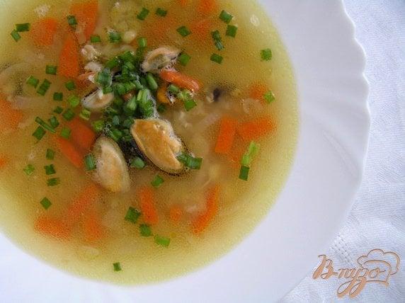 фото рецепта: Гороховый суп с мидиями и сельдереем