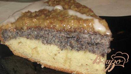 Маковый пирог с ореховой глазурью