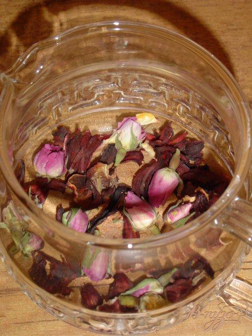 Чай из бутонов роз и каркадэ
