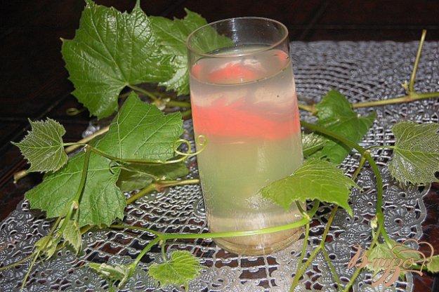 Рецепт Освежающий напиток из виноградных листьев