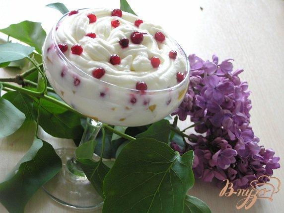 Рецепт Фруктово-ягодный десерт со взбитыми сливками
