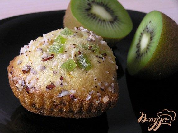 фото рецепта: Кексики с киви и ананасом