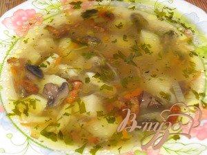 фото рецепта: Суп с лисичками и шампиньонами