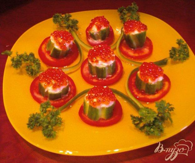 фото рецепта: Тарталетки с красной икрой