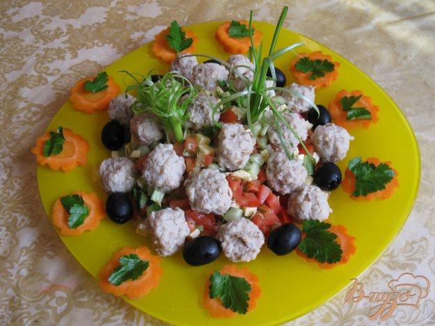 фото рецепта: Салат с ... фрикадельками