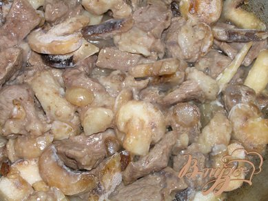 Говядина по-строгановски с базиликом