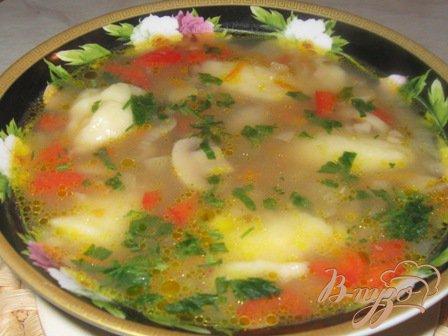 фото рецепта: Гречневый суп с грибами и картофельными клецками