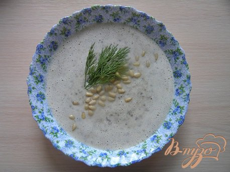 Грибной крем-суп с чесночными гренками