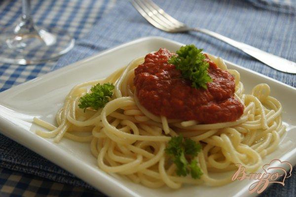 Рецепт Спагетти соусом из печеных перцев с помидорами